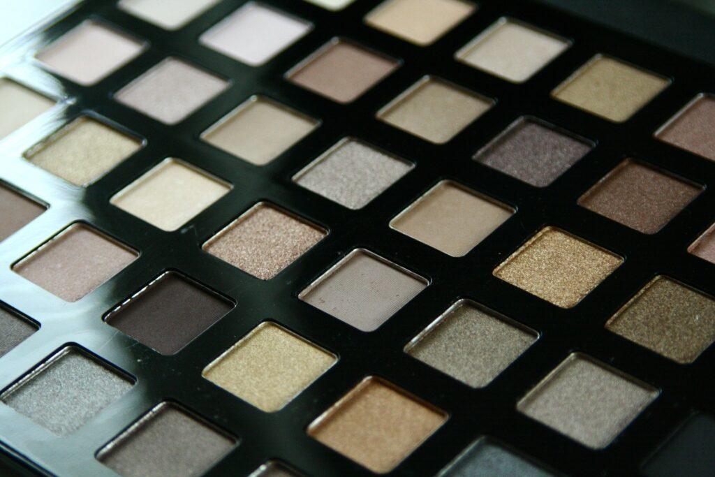 Cele mai bune produse la Makeup Revolution